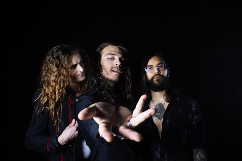 "Reach: il nuovo singolo ""Higher Ground"""