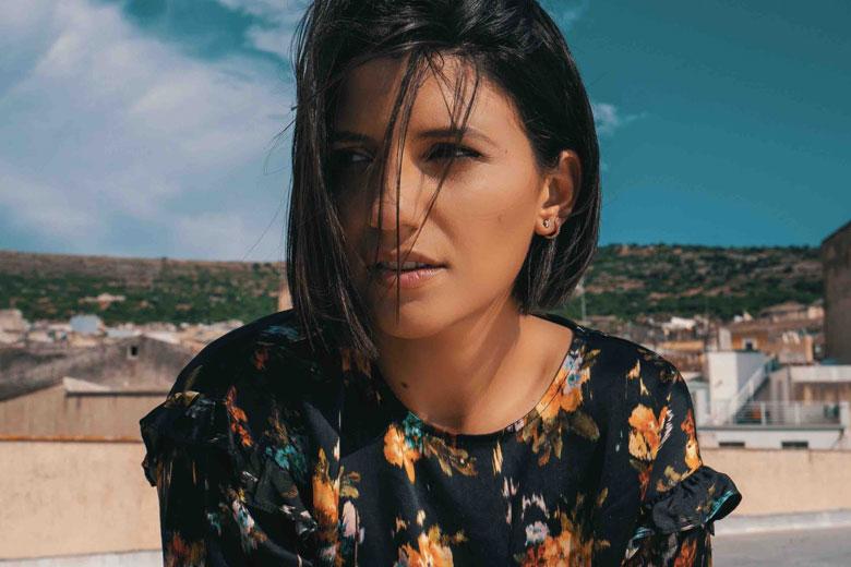 """Deborah Iurato: in radio e in digitale il nuovo singolo """"Ma cosa vuoi?"""""""