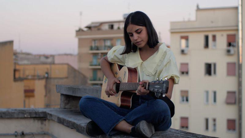 """Amarena: """"Stanotte"""" è il secondo singolo della giovane cantautrice"""