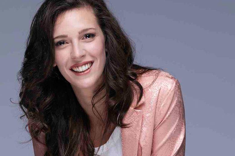 """""""Come la felicità"""", il nuovo singolo di Elisa Sapienza"""