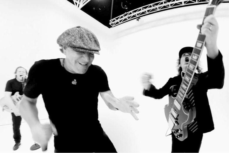 "AC/DC online il video di ""Realize"""