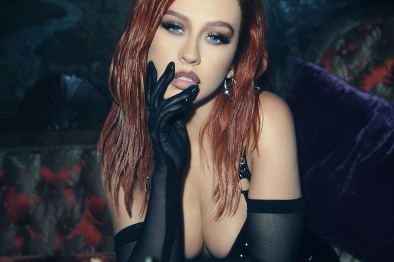 """Christina Aguilera torna con il nuovo singolo in spagnolo """"Pa Mis Muchachas"""""""